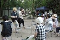 バイオリンとアコーディオンの演奏で楽しませてくれる「ケチカ・ブラスカ」のユニット。