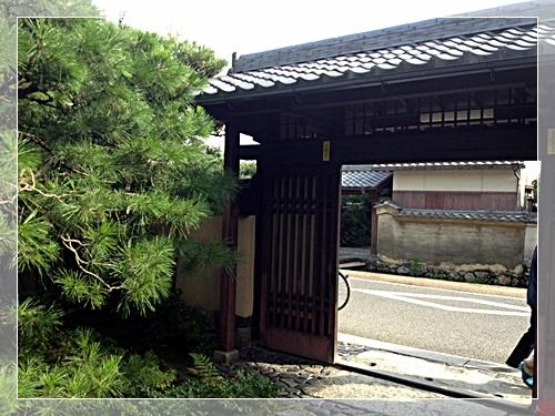 なり田の門
