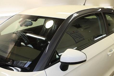 Audi A1 ピラー