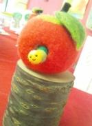 あおむしりんご1