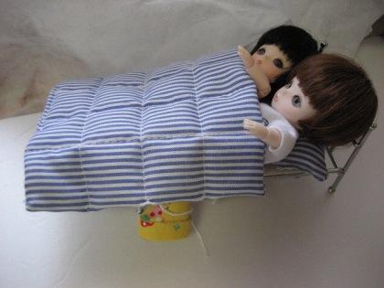 2人 きつきつだが 寝れるよ このベッド!