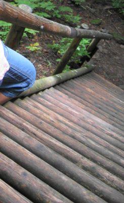 すき間だらけの階段