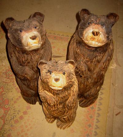 「親子熊」 − チェンソーアート作品の紹介