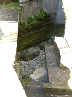 水上 足洗い場