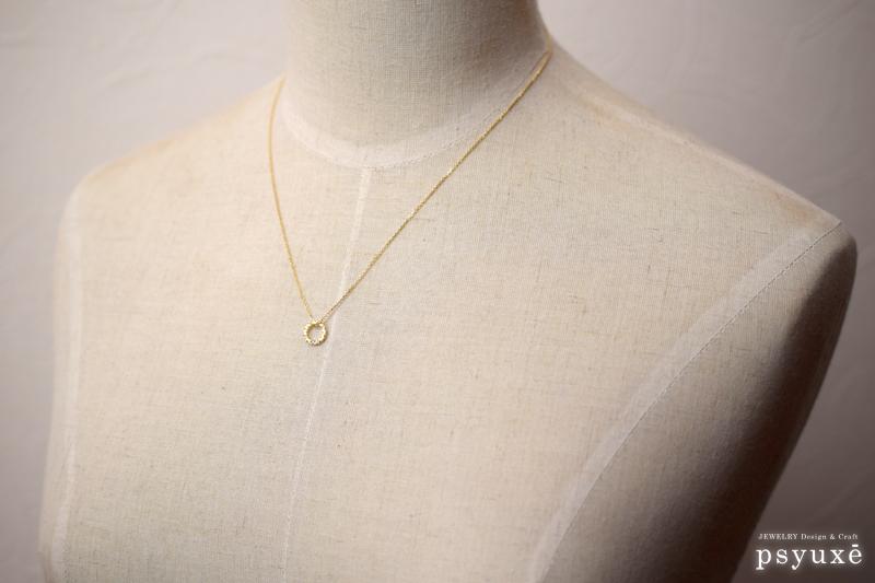 K18イエローゴールドと誕生石のネックレス