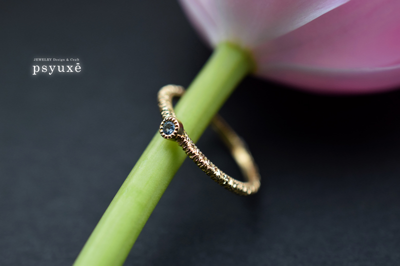 K18イエローゴールドとアクアマリンの指輪