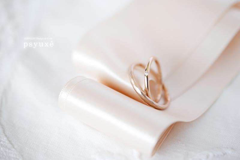 K18ピンクゴールドとダイアモンドの結婚指輪
