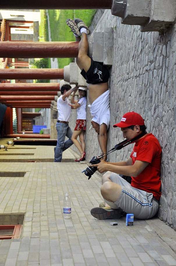 forced-perspective-creative-angle-photography-31-570cebb3cf37b__605.jpg