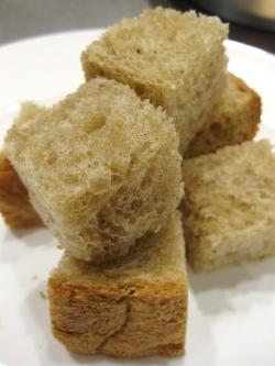 バニラプードル入り食パン