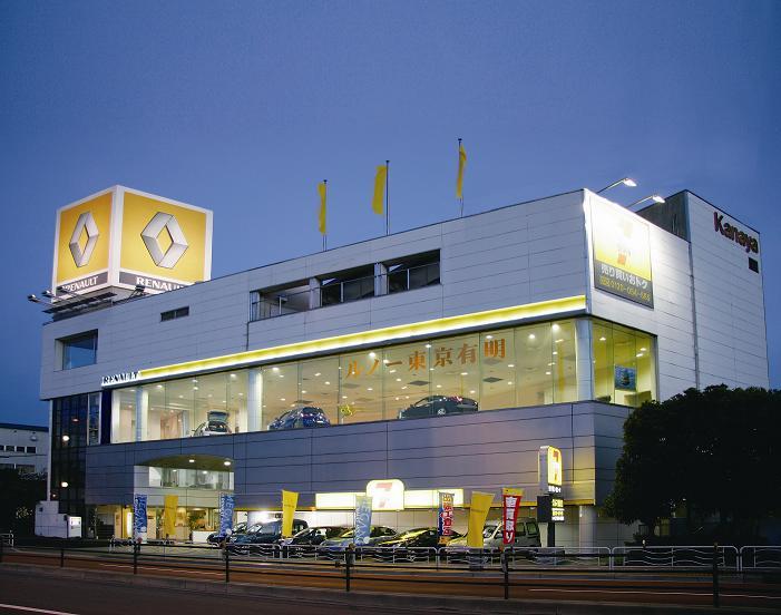 おかげさまでルノー東京有明は4月で3年目を迎えることが出来ました。