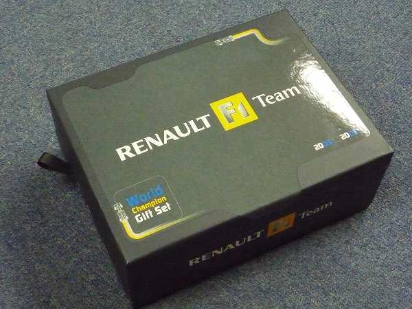 RENAULT F1 Teamのミニカーです