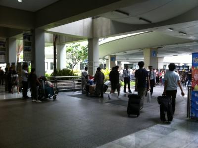 フィリピンの空港到着直後