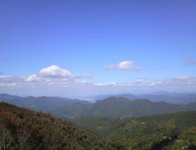 秋田県湯沢市の風景 紅葉