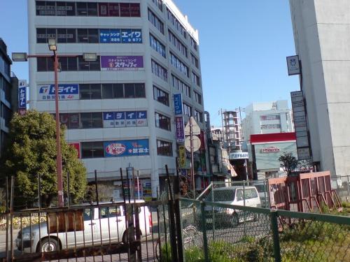 駅構内から見た姫路市街