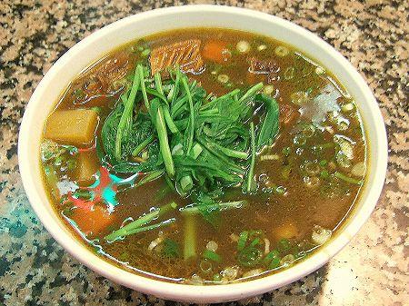 東一排骨總店の牛腩麺