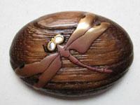 蜻蛉 眼が螺鈿です