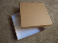 紙箱 東中紙器 茶紙 中は白