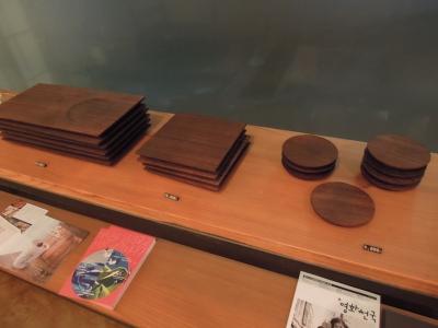 雨乃日珈琲店 韓国 桐トレー