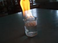 ブタンガスに火をつける