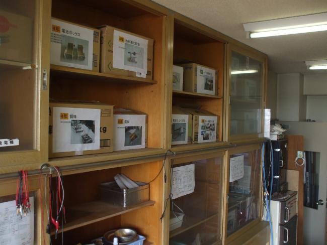 準備室は学年別収納