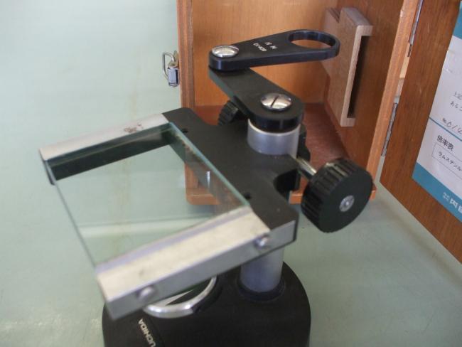 解剖顕微鏡を手入れ