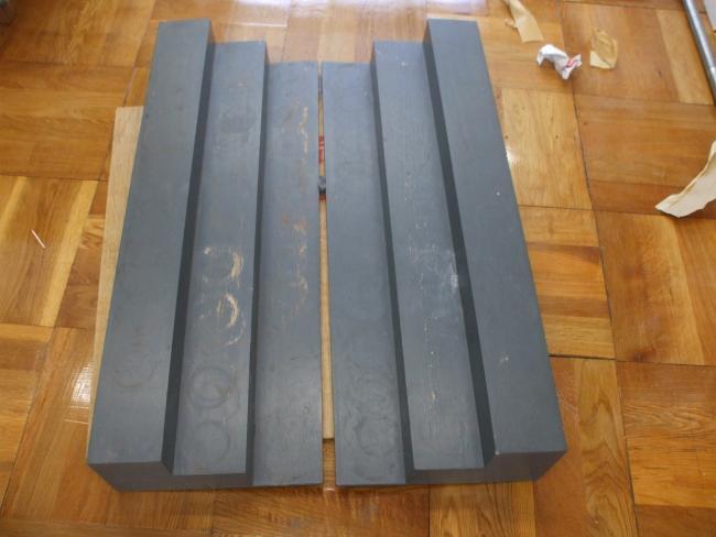 戸棚のひな壇の塗装準備