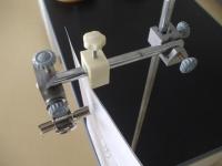 ふりこ実験台を組み立てる