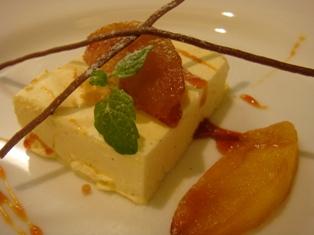 バニラのパルフェとリンゴのキャラメリーゼ
