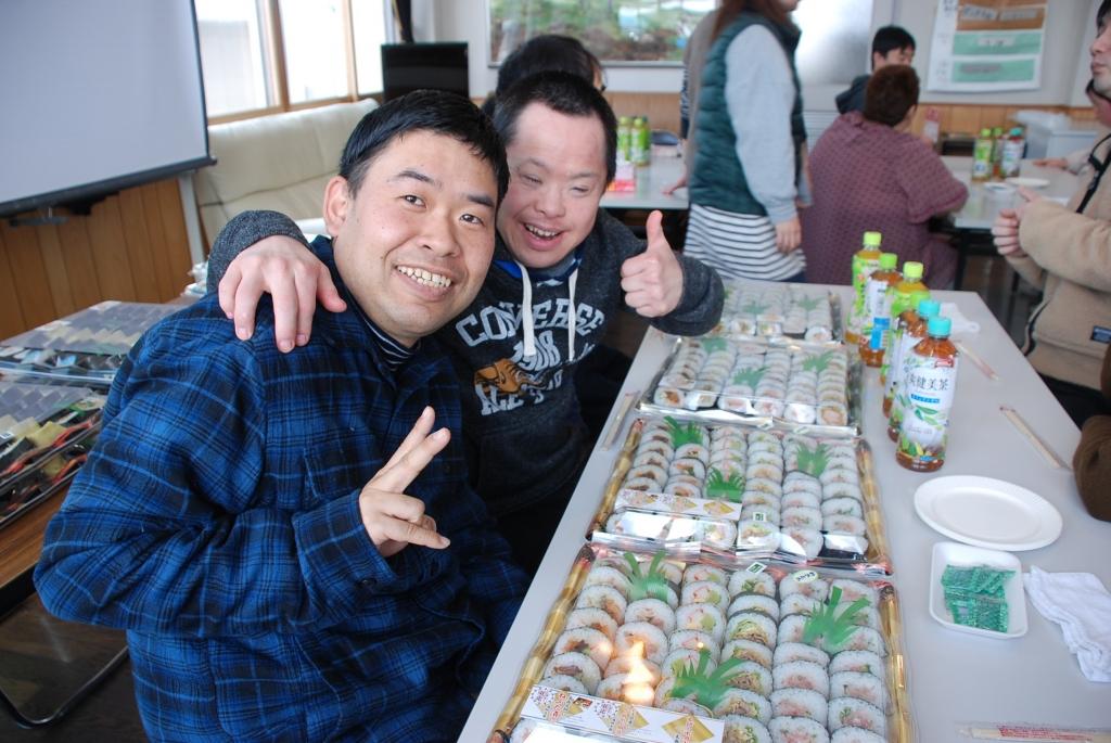 寿司を前にハイテンション