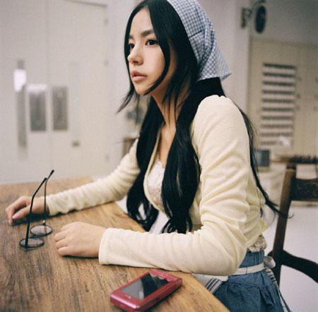これまた、Mnetで流れていたPVです。 ミン・ヒョリン。元モデルで、2007年より歌手活動を始めています。