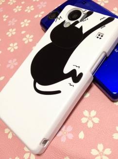 203SH【ケースで差がつくスマートフォン写真】ふんばるネコケース1