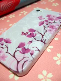 SOL23【ケースで差がつくスマートフォン写真】花と蝶ケース1
