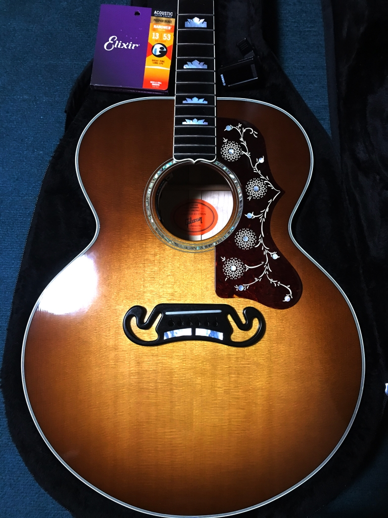 Gibson Limited Edition SJ-200 Birdseye Honey Burst