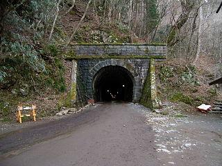 320px-Amagi-tunnel-Izucity-side.jpg
