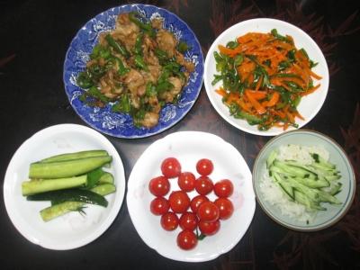 自宅で取れた有機野菜を使った料理