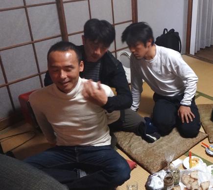 112小畑カワチ自転車大忘年会.宮澤崇史.マッサー中野.高岡.JPG