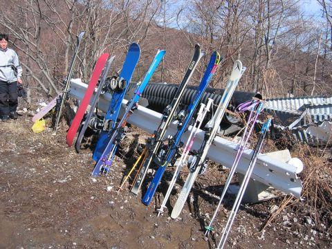 スキー板勢揃い