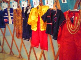 20050731 湘南台文化センター アジアの衣装(コスプレ)