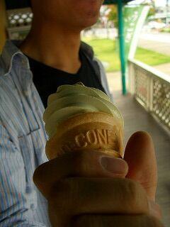 20060919 うこぎソフトクリーム
