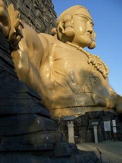 20061125 黄金の巨大神像 2