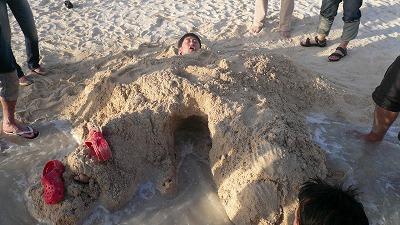 20070923 サンセットビーチ 生き埋め