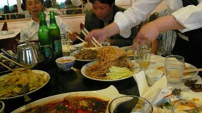 20080512 LittleSichuan テーブル