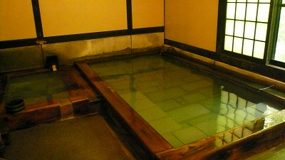 20080713 寒の地獄温泉 浴槽