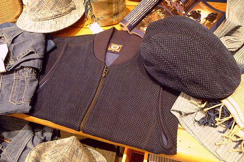 刺し子(さしこ)の帽子とジャンパー