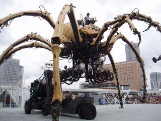 ラ・マシン巨大クモのアップ