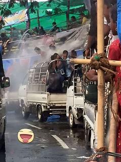 水かけ祭り1