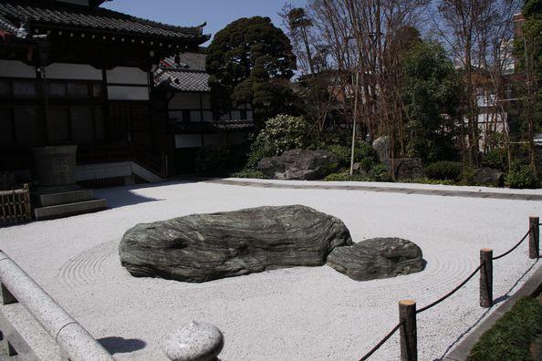 玉蔵院の石庭