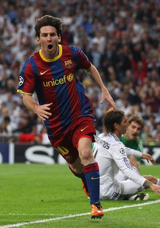 メッシ(写真)の2ゴールでバルセロナがレアル・マドリーに先勝