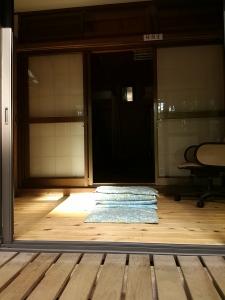 �休憩室の縁段