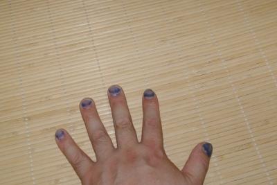 藍を手染め?